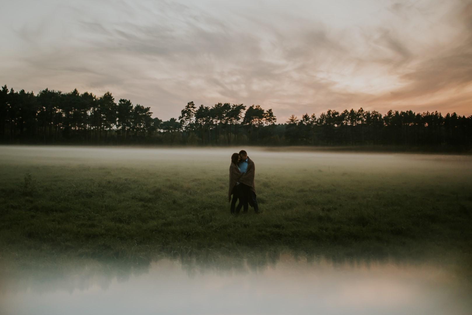 Marta i Michał w jesiennym plenerze