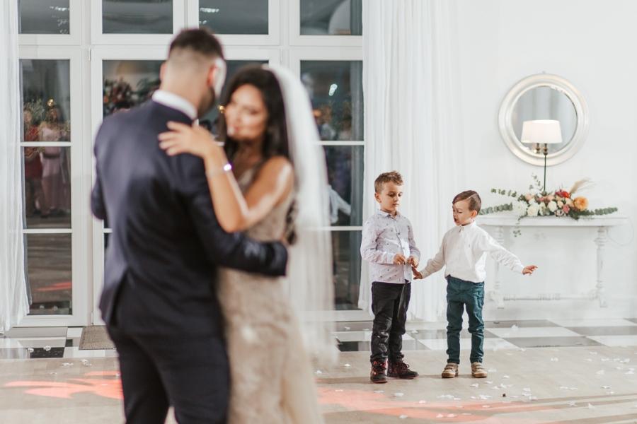biała wstążka ślub boho
