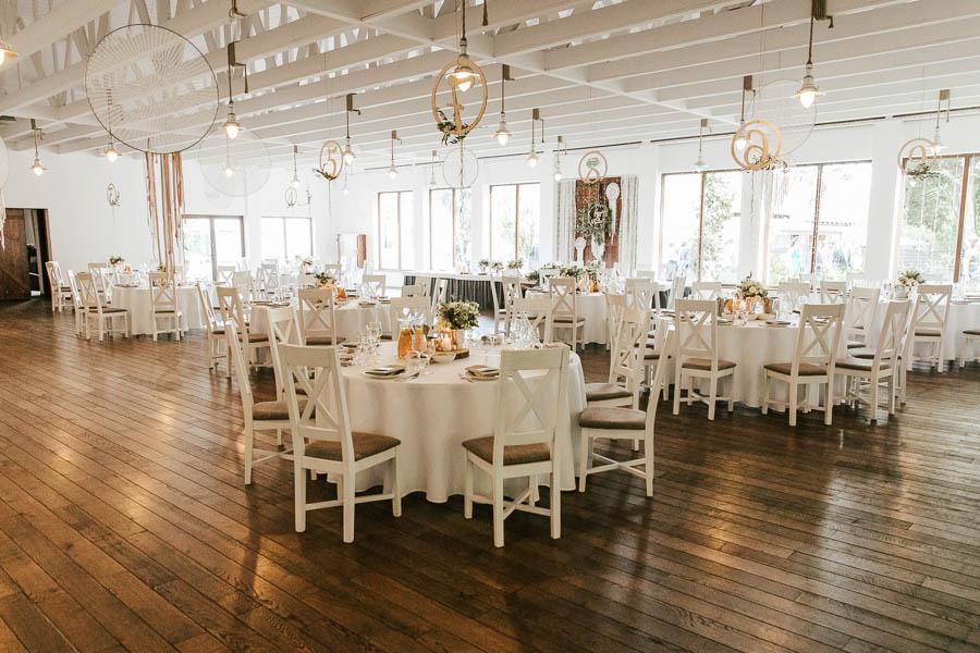 drewniana sala weselna inspiracje
