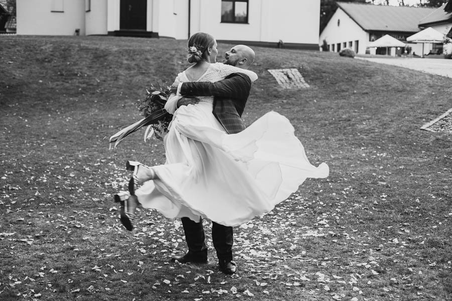 sesja plenerowa w dniu wesela