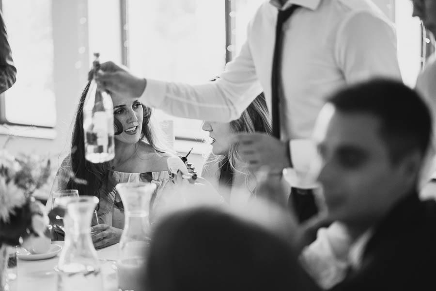 zdjęcia reportażowe ze ślubu